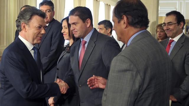 """Au moins trois guérilleros des Farc, dont un proche de leur chef suprême Rodrigo Londoño alias """"Timochenko"""", ont été tués mercredi lors d'un bombardement militaire dans le nord de la Colombie, a annoncé le ministre colombien de la Défense Juan Carlos Pinzon.[PRESIDENCIA]"""