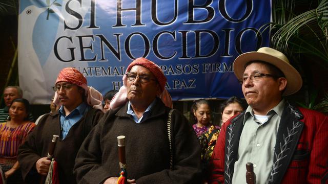 Des membres de la communauté indigène guatemaltèque tiennent une conférence de presse, le 22 mai 2013 à Guatemala City [Johan Ordonez / AFP]