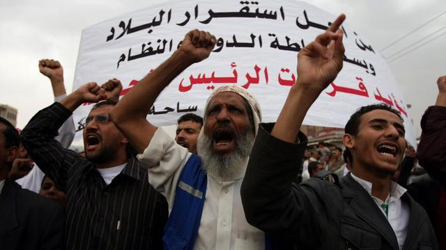 Les forces gouvernementales yéménites ont repoussé mardi une attaque menée par des centaines de soldats fidèles à l'ancien président Ali Abdallah Saleh contre le siège du ministère de la Défense à Sanaa, ont indiqué des témoins.[AFP]