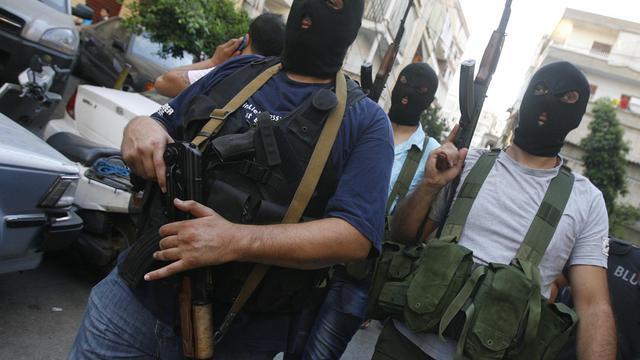 La violence qui ensanglante la Syrie depuis 17 mois a fait tâche d'huile au Liban avec le rapt de dizaines de Syriens, hostiles à Bachar al Assad, par des hommes armés chiites adversaires déclarés de la rébellion.[AFP]