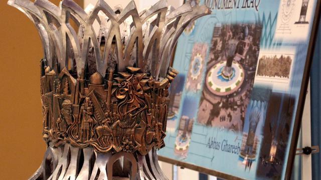 En lieu et place de la statue de Saddam Hussein déboulonnée il y a près de dix ans, l'Irak va inaugurer dans Bagdad, désignée capitale culturelle du monde arabe en 2013, un monument grandiose à la gloire de son passé plurimillénaire. [AFP]