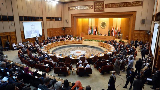 """Le président islamiste égyptien Mohamed Morsi a revendiqué mercredi un rôle central pour son pays dans le monde arabe, estimant que l'Egypte avait été longtemps """"marginalisée"""".[AFP]"""