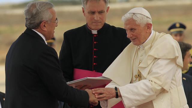 Le pape Benoît XVI accueilli le 14 septembre 2012 à Beyrouth par le président libanais Michel Sleiman [Anwar Amro / AFP]