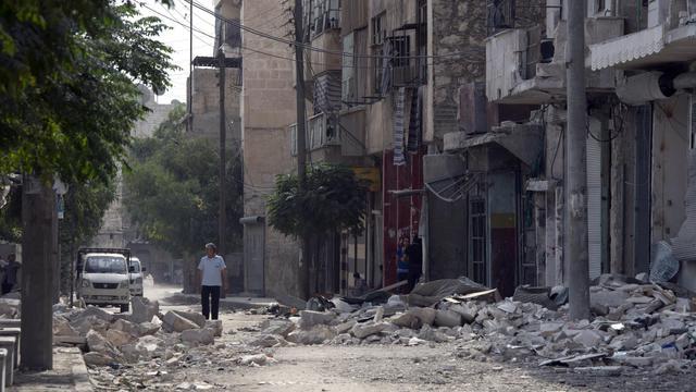 Dans les ruines d'un quartier d'Alep, le 1er octobre 2012 [Miguel Medina / AFP]