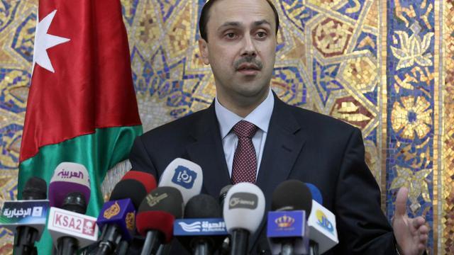 Le ministre jordanien de l'Information Mohammad Al-Moman annonçant le 15 mai 2013 à Amman la réunion des Amis de la Syrie [ / AFP/Archives]