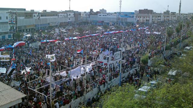 Des milliers de personnes réclament, le 21 mai 2013 à Aden, une sécession du sud du Yémen [Gamal Noman / AFP]