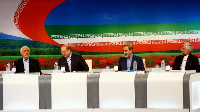 Les candidats à l'élection présidentielle  (de gauche à droite)  Mohammad Qarazi, Mohammad Bagher Ghalibaf, Ali Akbar Velayati et Saïd Jalili participent à un débat télévisé à Téhéran le 31 mai 2013 [Mehdi Dehghan / AFP]