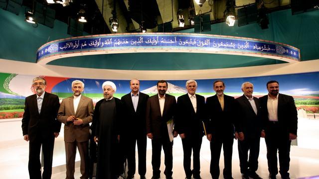Photo de famille des candidats à la présidentielle avant le débat télévisé le 7 juin 2013 à Téhéran [Mehdi Dehghan / AFP]