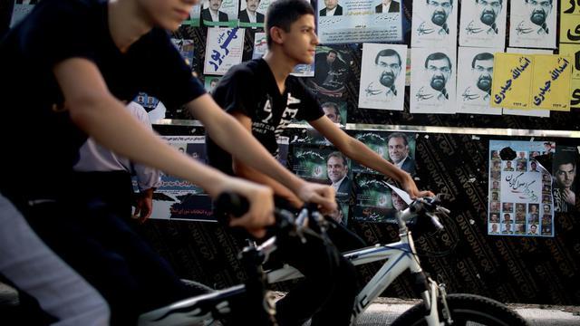 Affiches électorales des candidats à la présidentielle placardées le 13 juin 2013 à Téhéran [Behrouz Mehri / AFP]