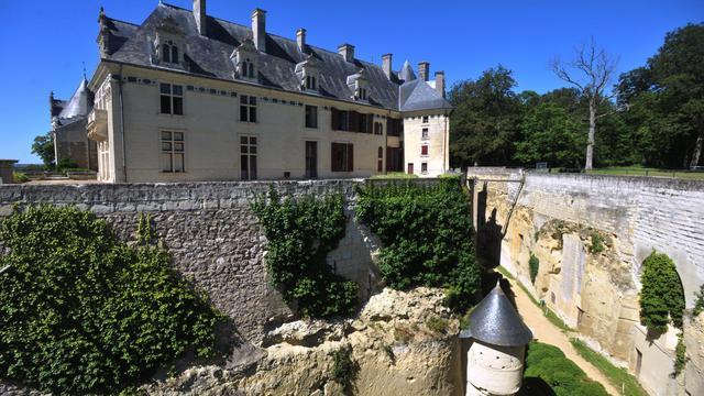 """Quinze ans après son ouverture au public, le château de Brézé (Maine-et-Loire) a su valoriser son étonnant réseau souterrain, """"château sous le château"""", pour doper sa fréquentation et entrer dans la liste des grands sites du Val de Loire avec Chambord ou Chenonceau.[AFP]"""
