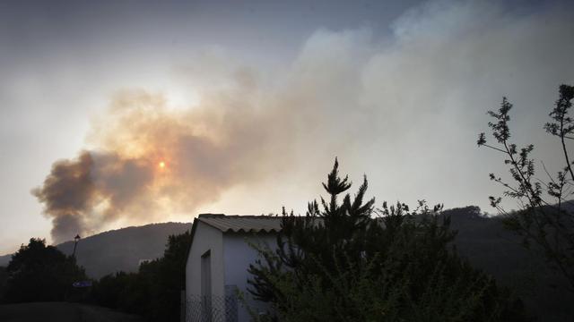 L'incendie qui a détruit plus de 4.000 hectares de végétation sur la petite île de La Gomera, aux Canaries, a perdu en intensité mardi, à la faveur notamment d'un changement de direction du vent, ont annoncé les services d'urgence de cet archipel espagnol.[AFP]