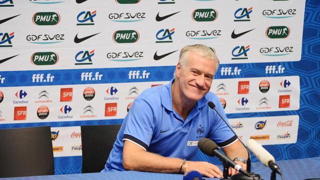 """""""On ne joue pas au football pour s'amuser"""": c'est en ces termes que le nouveau sélectionneur de l'équipe de France Didier Deschamps a résumé mardi sa philosophie, basée sur l'""""efficacité"""" et la """"volonté de gagner"""", sans oublier les notions de """"plaisir"""" et d'""""effort"""".[AFP]"""
