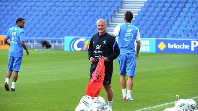 Didier Deschamps étrenne mercredi ses habits de sélectionneur de l'équipe de France lors d'un amical contre au redoutable Uruguay, qui doit éclairer sur ses intentions et ses choix futurs à trois semaines du début de la campagne qualificative pour le Mondial-2014.[AFP]