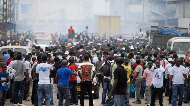 """L'opposition gabonaise a accusé les """"violences policières"""" d'avoir fait trois morts lors de la dispersion mercredi de la manifestation interdite de l'Union nationale (UN) dissoute par les autorités qui ont opposé un démenti formel parlant de """"déclaration politico-politicienne"""".[AFP]"""