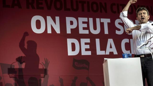 """Il avait promis au lendemain des législatives qu'il reviendrait. Jean-Luc Mélenchon a choisi la circonscription d'Hénin-Beaumont (Pas-de-Calais) pour lancer jeudi sa """"campagne de terrain"""" contre le traité budgétaire européen. [AFP]"""