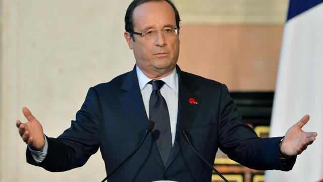 """Le président français François Hollande a promis, mardi à Rome, """"une stabilité des dépenses et des effectifs de la fonction publique"""" ainsi qu'""""une réduction des déficits"""" dans le prochain budget 2013.[AFP]"""