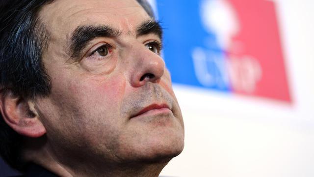 """François Fillon, candidat à la présidence de l'UMP, a estimé lundi que les Français devaient """"travailler plus"""" afin de """"sauver l'économie française"""", attaquant une nouvelle fois les 35 heures. [AFP]"""