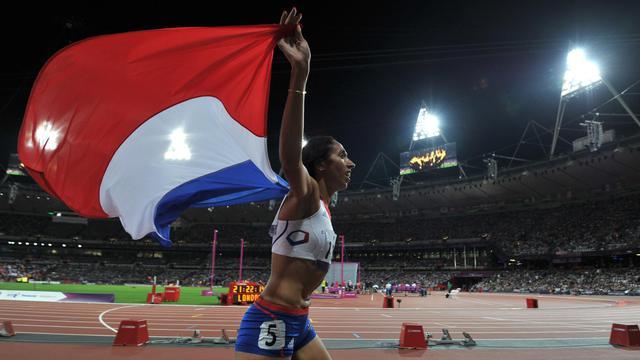 L'athlète malvoyante Assia El Hannouni, déjà titrée sur 400 m (T12) en 2004 et 2008, a conservé son titre sur la distance mardi soir aux jeux Paralympiques de Londres, s'offrant la 7e médaille d'or de sa carrière et apportant aux Bleus leur troisième médaille de la journée.[AFP]