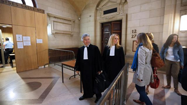 """L'accusé a écouté sans ciller lundi les médecins légistes décrire les blessures de Susanna Zetterberg, jeune Suédoise tuée en 2008 à Paris, tandis que l'avocat de la famille de la victime leur demandait si elle s'était """"rendu compte de son calvaire"""". [AFP]"""