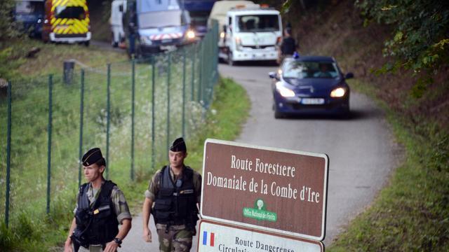 Les enquêteurs chargés de la tuerie des Alpes concentraient vendredi leurs efforts sur la personnalité du père de famille britannique tué mercredi, après avoir réentendu en vain la fillette retrouvée miraculée après être restée huit heures dans sa voiture. [AFP]
