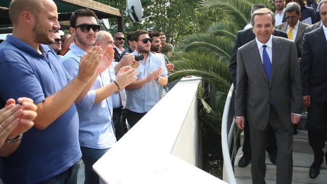 Le Premier ministre grec Antonis Samaras va s'entretenir lundi à partir de la mi-journée avec les créanciers de nouvelles économies de 11,5 milliards d'euros, qui conditionnent le versement de la prochaine tranche du prêt UE-FMI. [AFP]