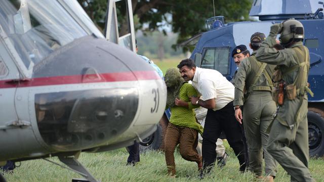 """La jeune chrétienne pakistanaise libérée sous caution mais toujours accusée d'avoir profané le Coran dit avoir """"peur"""" d'être """"tuée"""" par des extrémistes, dans un court entretien à la chaîne CNN, le premier donné à un média depuis le début de cette affaire hyper sensible. [AFP]"""