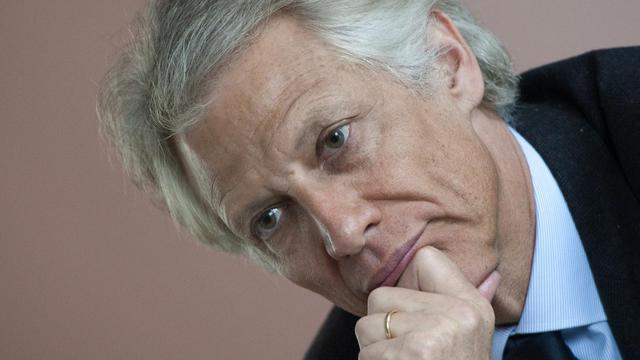 L'ex-Premier ministre Dominique de Villepin a protesté de son innocence dans le dossier Relais et Châteaux qui lui a valu une garde à vue mardi, sans doute suivie d'une convocation par le juge en charge de cette affaire d'escroquerie présumée. [AFP]