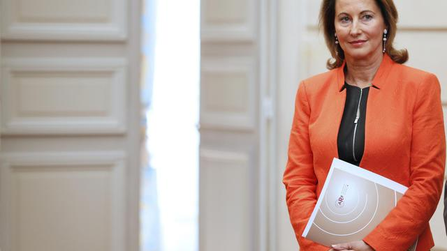"""Ségolène Royal, qui a fait mercredi sa rentrée politique à l'Elysée, à la faveur d'une réunion des présidents de conseils régionaux, a affirmé dans un entretien à l'AFP faire """"tout pour que réussisse"""" le quinquennat de François Hollande et recommandé """"d'accélérer le rythme des réformes"""". [AFP]"""
