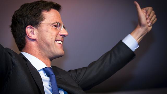 Les Néerlandais ont plébiscité mercredi deux partis pro-européens, libéraux et travaillistes, tandis que l'extrême droite de Geert Wilders a été sanctionnée dans un scrutin législatif considéré comme un baromètre du sentiment anti-européen dans un des pays moteurs de la zone euro. [ANP]