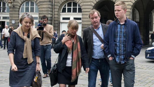 La famille de Susanna Zetterberg quitte la cour d'assises de Paris, le 13 septembre 2012 [Miguel Medina / AFP]
