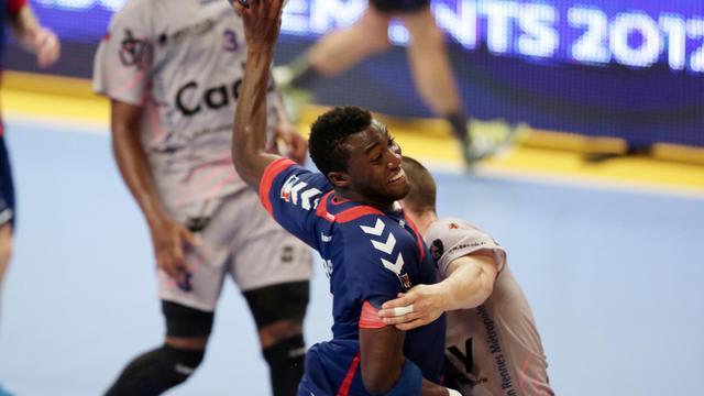 Le handballeur du PSG Luc Abalo le 14 septembre 2012 au stade Pierre de Coubertin à Paris contre Cesson [Kenzo Tribouillard / AFP]