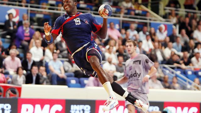 L'ailier international du PSG Luc Abalo face à Cesson en Championnat, le 14 septembre 2012. [Kenzo Tribouillard / AFP/Archives]