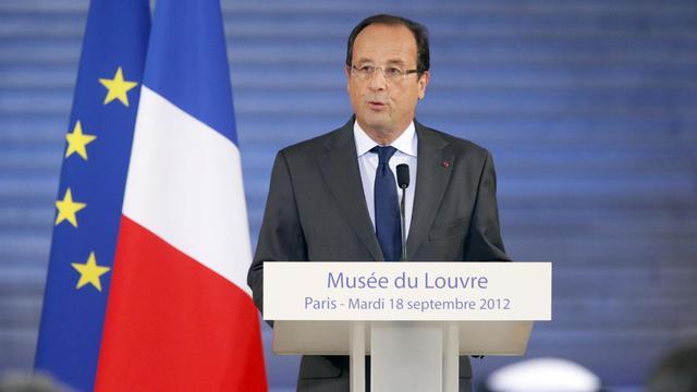 Le président François Hollande tient un discours, le 18 septembre 2012, lors de la cérémonie d'ouverture du nouveau département des arts islamiques du musée du Louvre, à Paris [Pierre Verdy / AFP]