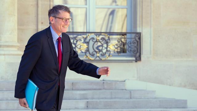 Vincent Peillon le 19 septembre 2012 à la sortie du Conseil des ministes à l'Elysée à Paris [Bertrand Langlois / AFP]
