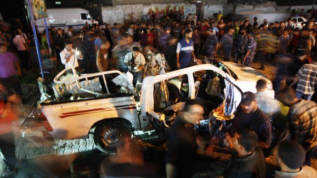 La voiture visée par le raid israélien le 19 septembre 2012 à Rafah [Said Khatib / AFP]