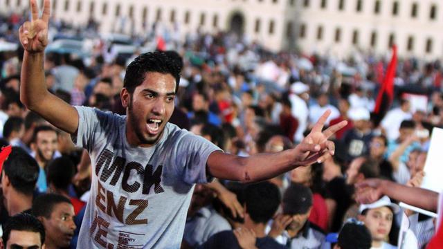 Des milliers de manifestants anti-milices à Benghazi, le 21 septembre 2012 [Abdullah Doma / AFP]