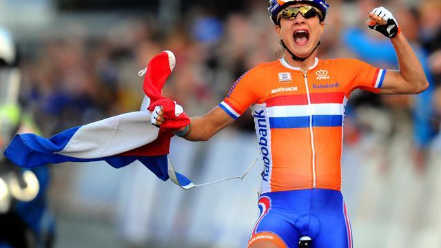 La Néerlandaise Marianne Vos sacrée championne du monde sur route, le 22 septembre 2012 à Valkenburg. [Franck Fife / AFP]