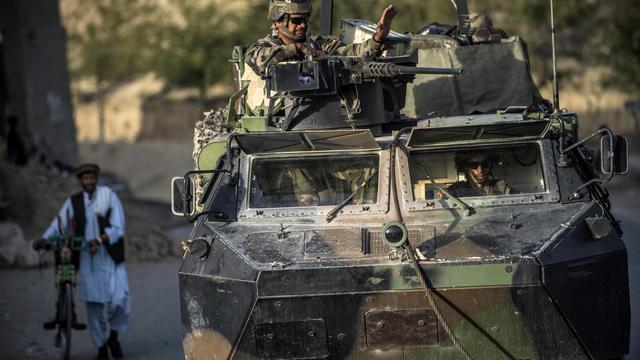 Un convoi de soldats français près de Kaboul, le 21 septembre 2012 [Jeff Pachoud / AFP]
