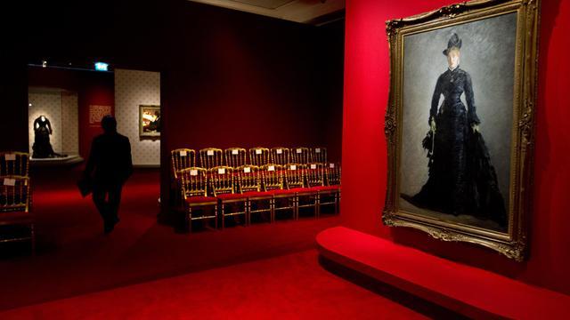 """""""La Parisienne"""", d'Edouard Manet, au musée d'Orsay, le 24 septembre 2012 à Paris [Joël Saget / AFP]"""