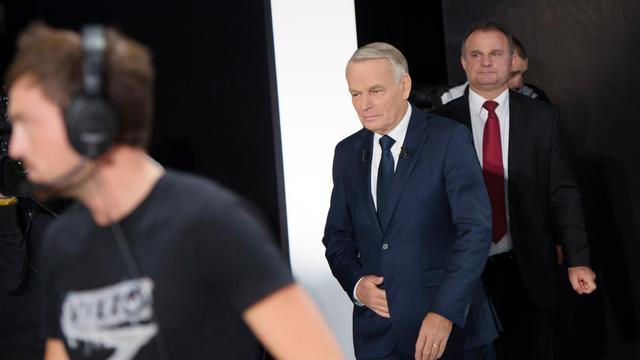 Jean-Marc Ayrault à son arrivée le 27 septembre 2012 sur le plateau de France 2 à Paris [Bertrand Langlois / AFP]
