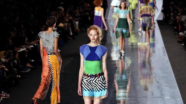 La collection Issey Miyake printemps-été 2013 présentée à la fashion week parisienne, le 28 septembre 2012 [Patrick Kovarik / AFP]