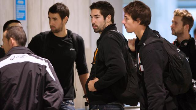 Les handballeurs de Montpellier, dont Nikola Karabatic, à leur arrivée le 28 septembre à Paris avant leur match contre le PSG le 30. [Bertrand Langlois / AFP]