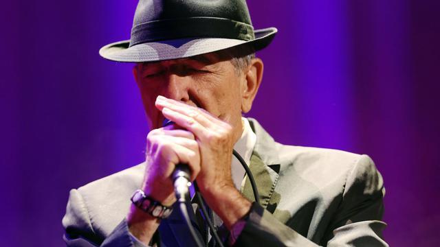 Le chanteur canadien Leonard Cohen sur scène à l'Olympia, le 28 septembre 2012 [Thomas Samson / AFP]