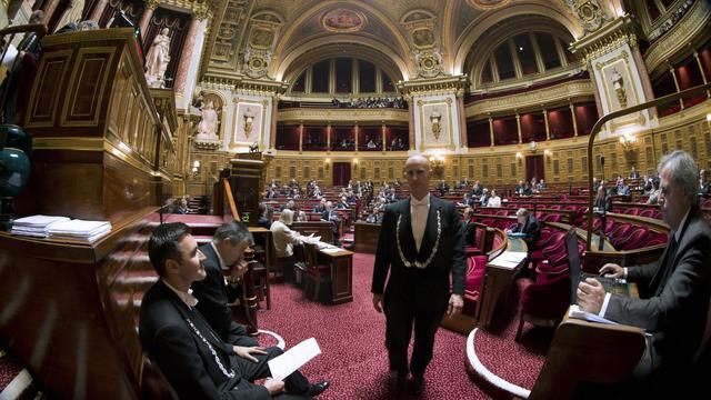 Des huissiers au Sénat à Paris, le 13 novembre 2012 [Joel Saget / AFP]