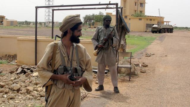 Des membres du groupe islamiste Mujao le 16 juillet 2012 à Gao [Romaric Ollo Hien / AFP/Archives]