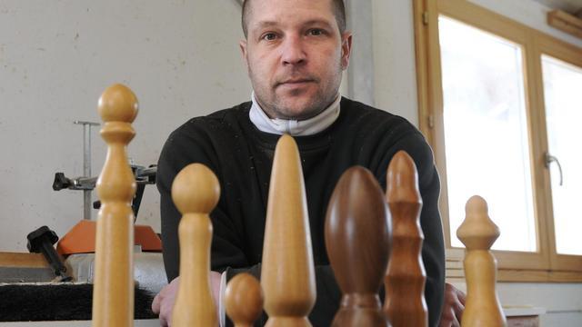 Thierry Germain, au milieu des jouets sexuels en bois qu'il fabrique, le 8 février 2013 dans son atelier à Basse-sur-le-Rupt