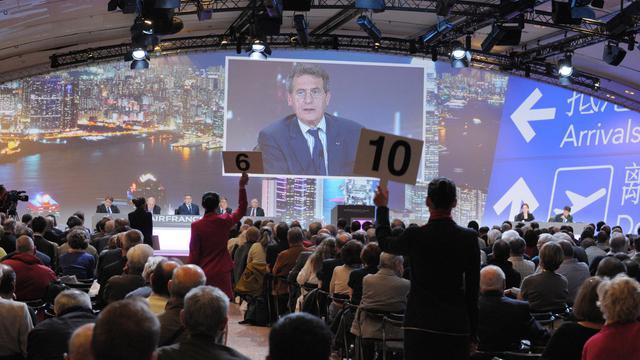Jean-Cyril Spinetta, PDG du groupe Air France-KLM, qui quitte ses fonctions le 1er juillet, s'adresse pour la dernière fois aux actionnaires réunis en assemblée générale le 16 mai 2013 à Paris [Eric Piermont / AFP]