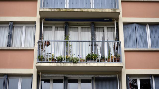 L'appartement du père de famille accusé d'avoir égorgé ses deux enfants, à Saint-Priest, près de Lyon, le 19 mai 2013 [Jeff Pachoud / AFP]