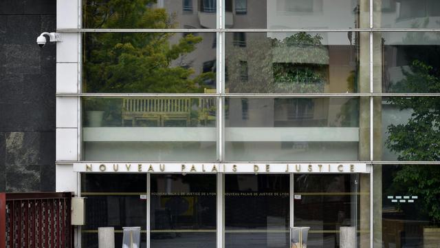Le palais de justice de Lyon où un homme de 48 ans ayant avoué avoir tué ses deux enfants a été mis en examen, le 20 mai 2013 [Jeff Pachoud / AFP]
