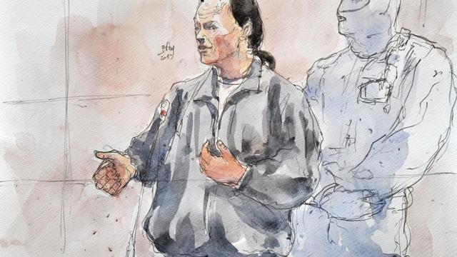 Croquis d'audience montrant Tony Meilhon, le meurtrier présumé de Laetitia Perrais, lors de son procès à Nantes, le 22 mai 2013 [Benoit Peyrucq / AFP/Archives]